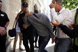 Penalva prohíbe al exdirector general de Comercio de Calvià acercarse al Ayuntamiento