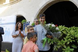 Palouzié dice en la Diada de la Policía Local que la crisis ha sido «totalmente superada»