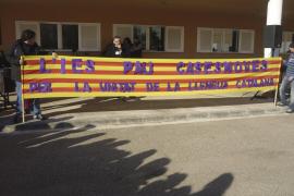 Dieciocho centros educativos de Mallorca reivindican sin incidentes la unidad del catalán