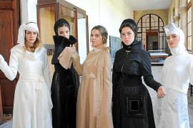 Los alumnos de la Escola de Disseny presentan la Semana de la Cultura Georgiana