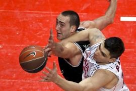 El Caja Laboral derrota (76-74)  al Bizkaia Bilbao Basket y accede a semifinales