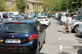 Los turismos censados en Sóller ya duplican las plazas de aparcamiento