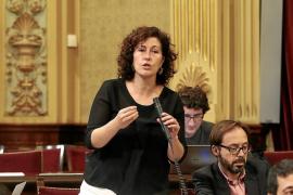 El Parlament subre las dietas por hotel a los diputados de Ibiza y baja las de Formentera