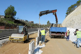 Obres mur esbaldregat línia de tren Sineu-Manacor