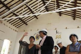 Educació licita obras de mejora en tres centros por casi 700.000 euros