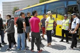 El servicio de bus que une el aeropuerto con el Llevant se inicia con poca demanda