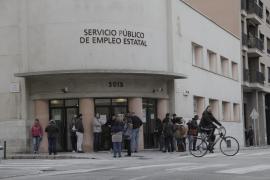 El paro baja en Baleares en casi 7.000 personas en mayo