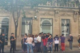 MÉS, Podemos y Ben Amics acuden al Parlament para censurar a Hazte Oír