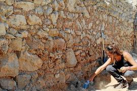 La restauración de la muralla renacentista hace aguas