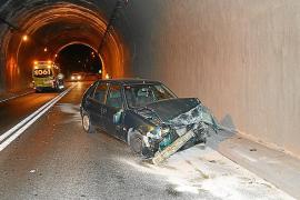 Dos heridos en un accidente de tráfico en el túnel de Peguera