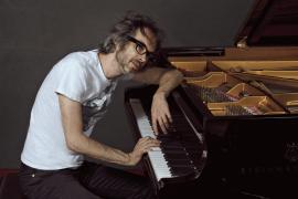 Trui Teatre recibe a James Rodhes, un pianista inglés forjado en la adversidad