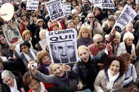 Centenares de miles de italianas se echan a la calle contra Berlusconi