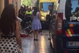 El niño al que le cayó una farola en Palma permanece estable en condición crítica