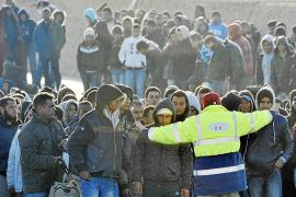 Italia dice que la Unión Europea la ha dejado sola con el éxodo de inmigrantes africanos