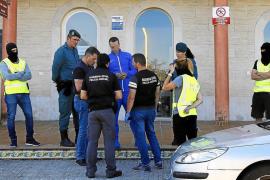 Doce detenidos al desmantelar la Guardia Civil un laboratorio de cocaína en Alcúdia