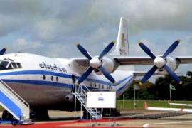 Un avión militar con 104 personas se estrella en el este de Birmania
