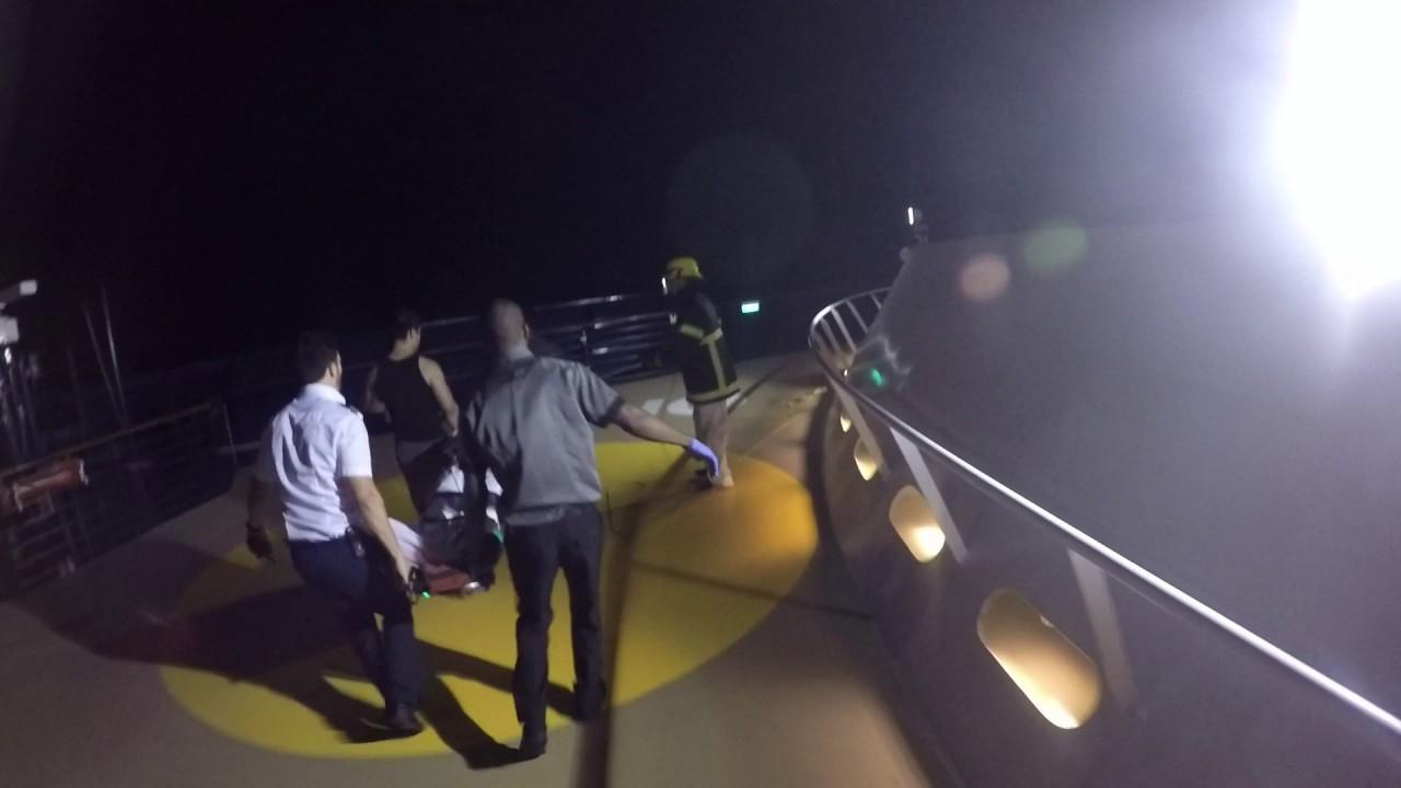 Salvamento Marítimo evacúa a un hombre que sufrió un infarto en un crucero