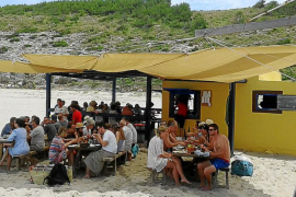 El GOB se opone a la instalación de servicios de temporada en Cala Torta «que funcionan sin autorización»