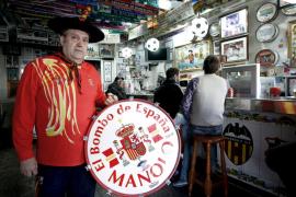 Le roban el bombo a Manolo en Murcia