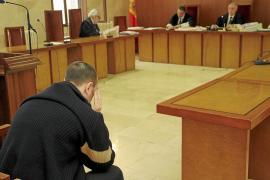 Condena de 22 años para el 'pervertido de las dunas' tras reconocer asaltos a 18 mujeres en Muro