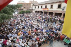 Más de un millar de personas asiste en Las Rozas a la concentración para homenajear a Ignacio Echeverría