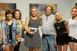 Exposición de fotografías de Nadja Stoisser en el Espai Cultural Ciutadà Il·legal, en Pòrtol