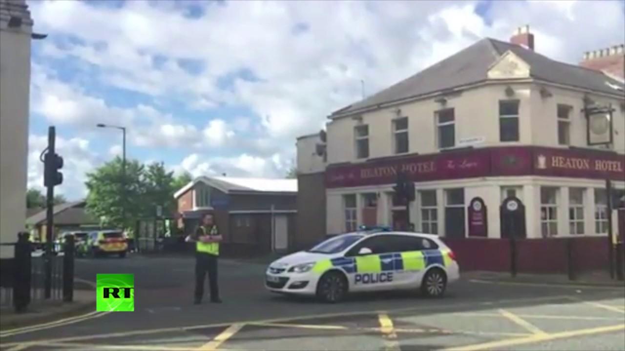 Liberan a los rehenes retenidos por un hombre armado con un cuchillo en Newcastle