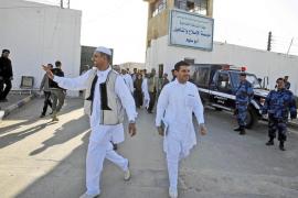 Los enfrentamientos entre partidarios y detractores de Gadafi dejan 38 heridos