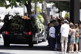 Familiares y amigos despiden a Ignacio Echeverría en Las Rozas