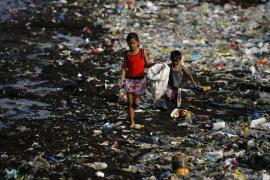 Más de 168 millones de niños trabajan en el mundo y la mitad arriesgan su vida