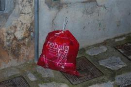 La llegada de bolsa roja a 5 pueblos del Raiguer reduce el 'rechazo' a la mitad