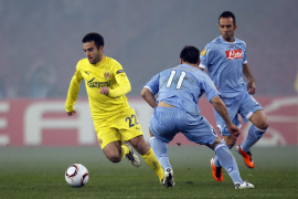 Villarreal's Rossi challenges Naples' Maggio and Mascara during their Europa League round of 32, first leg soccer match in Naple