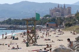 El calor y las altas temperaturas ponen este martes en riesgo a Mallorca y Menorca