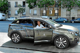 Peugeot se vuelca con Roland Garros