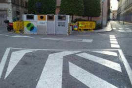 ARCA critica a Emaya por tapar la estatua de Jafudà Cresques con una instalación de recogida de residuos