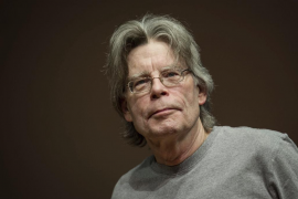 Stephen King no ve otra salida que el suicidio ante el bloqueo de Donald Trump