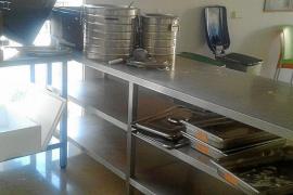 Cort multa con 14.000 euros al anterior servicio de comida de ayudas sociales