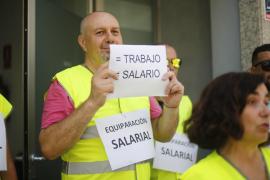 Concentración de los trabajadores de la zona azul de Vila (Fotos: Daniel Espinosa)