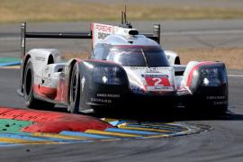 Porsche se impone en Le Mans tras el naufragio de Toyota