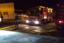 Alarma por un incendio en una fábrica de pirotecnia de Lloret de Vistalegre