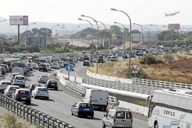 Carreteras colapsadas como en plena temporada turística