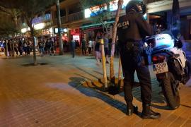 Detenido un turista por hacer una 'peineta' y empujar a un policía en la Playa de Palma