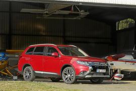 Mitsubishi Outlander de siete plazas con motor de gasolina