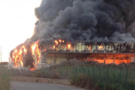 Un incendio destruye de nuevo la planta TIV de Caritas en Maó