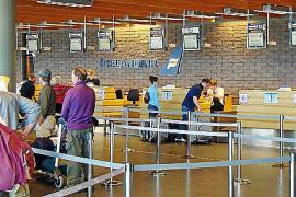 Un grupo de mallorquines tarda 30 horas en llegar a Islandia desde Barcelona