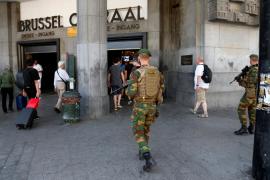 Interior identifica al terrorista abatido en Bruselas y dice que portaba una carga mayor que no explotó