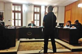 Piden tres años de cárcel al psicólogo de la Guardia Civil por maltratar a su exmujer