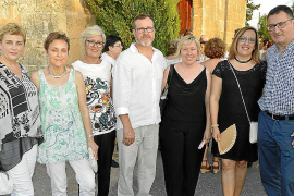 Jaume Serra celebra una fiesta en la ermita de Sant Blai para reunir a amigos y familiares