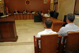 Piden 14 años de cárcel para dos búlgaros por obligar a mendigar a compatriotas
