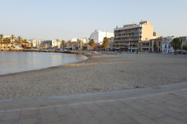 Las playas de Palma recuperan la normalidad tras la noche de San Juan